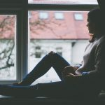 Slika - depresivna osoba u zimskom periodu